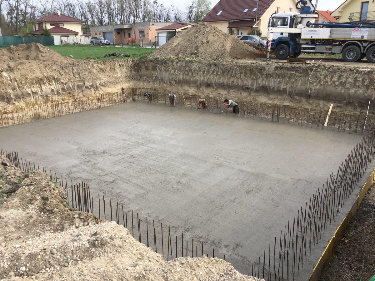 Začali sme novú výstavbu RD v Bernolákove